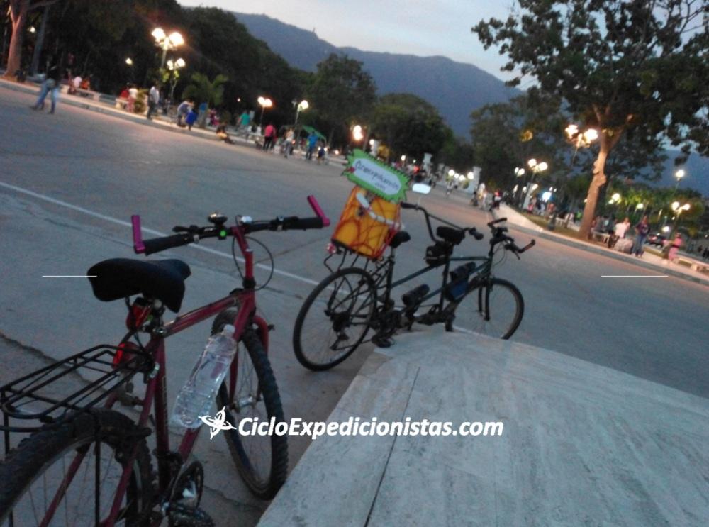 A cicloexpedicionistas cicloexpedicionistas.com scutarohdd scutarohdd.com cicloviajeros cicloviaje viajar en bici CICLOTRAVEL 33 travel bike cicloturismo 33 sur america en bici 8 trail