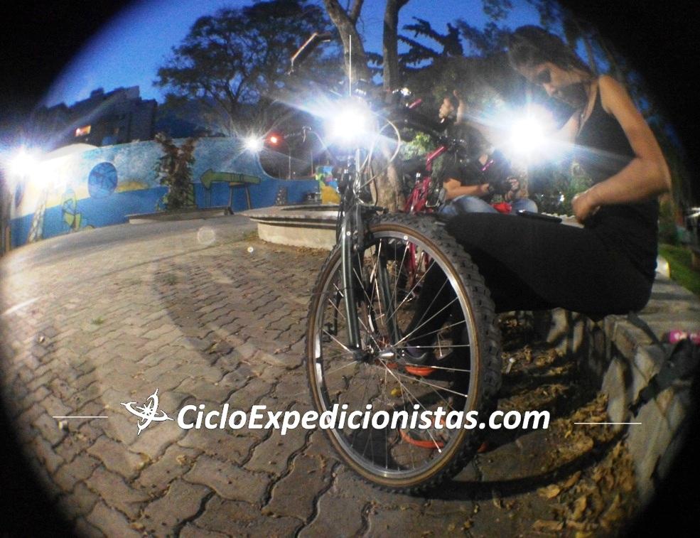 A cicloexpedicionistas cicloexpedicionistas.com scutarohdd scutarohdd.com cicloviajeros cicloviaje viajar en bici CICLOTRAVEL 33 travel bike cicloturismo 3