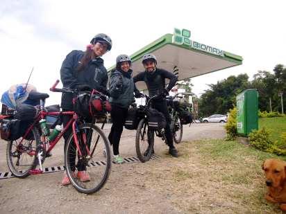 Cicloexpedicionistas-venezolanos- viaje en bicicleta-viajeros-ciclistas-venezolanos en bici- colombia-argentina